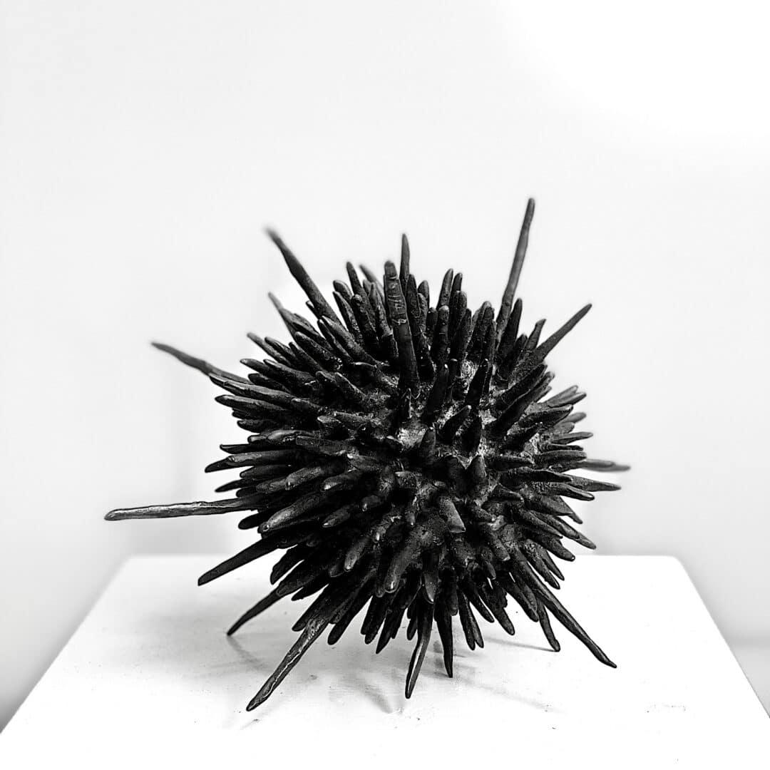 Seeigel-Echinoidea-Eisenplastik-Jane-Steel-Schweiz
